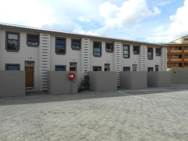 2 Bedroom Duplex for Sale For Sale in Gezina - Private Sale - MR096532