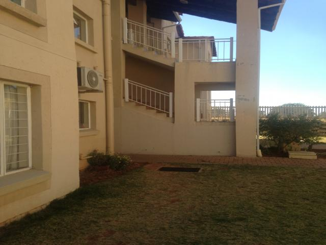 3 Bedroom Duplex For Sale in Benoni - Private Sale - MR096554