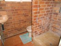 Bathroom 2 - 3 square meters of property in Roodepoort