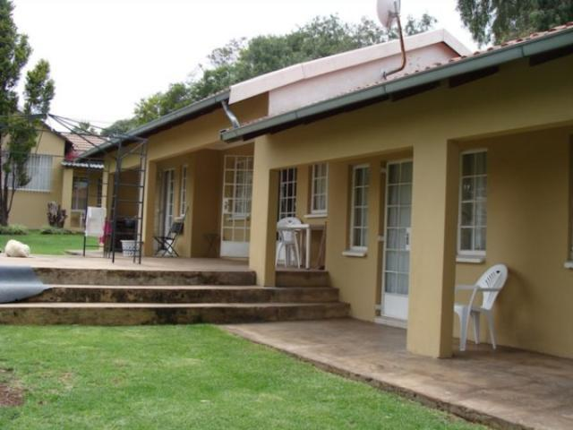 8 Bedroom House for Sale For Sale in Kempton Park - Private Sale - MR096604