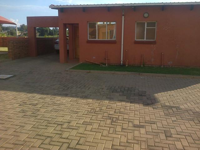 3 Bedroom House for Sale For Sale in Rensburg - Home Sell - MR096635