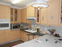Kitchen - 32 square meters of property in Die Wilgers