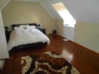 Main Bedroom - 24 square meters of property in Weltevreden Park