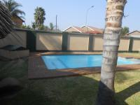 Entertainment of property in Rooihuiskraal North