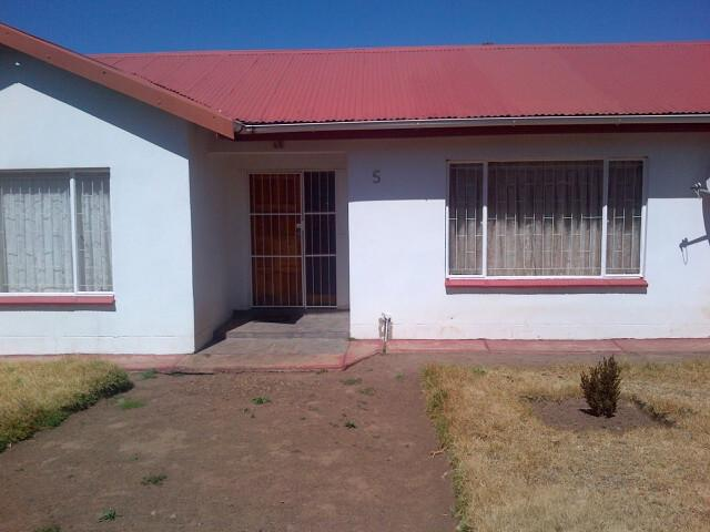 Standard Bank EasySell 3 Bedroom House For Sale in Queenstown - MR096712
