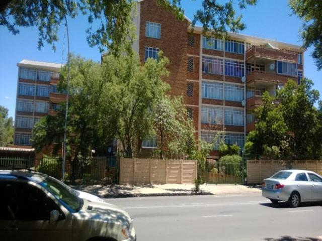 3 Bedroom Apartment For Sale in Bloemfontein - Private Sale - MR096763