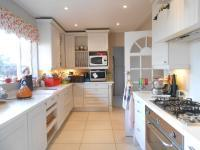 Kitchen - 14 square meters of property in Robertsham
