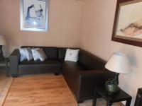 Lounges - 30 square meters of property in Willow Park Manor