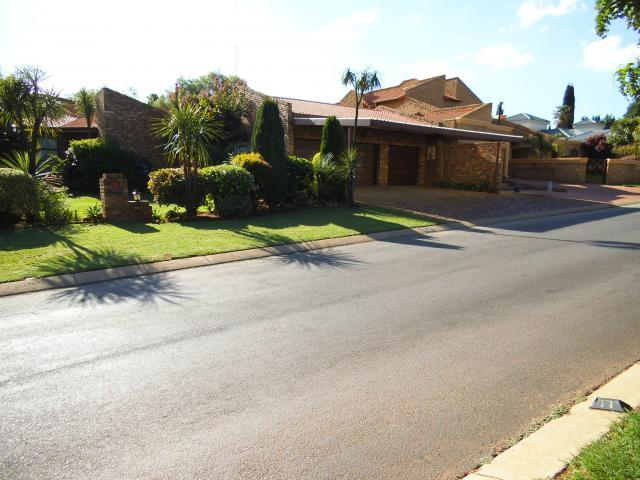 3 Bedroom House For Sale in Kempton Park - Private Sale - MR096821