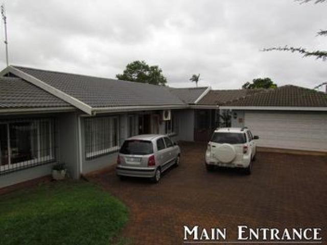 4 Bedroom House for Sale For Sale in Empangeni - Home Sell - MR096829