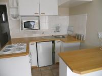 Kitchen - 5 square meters of property in Bloubergstrand
