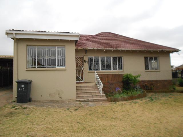 3 Bedroom House for Sale For Sale in Linmeyer - Private Sale - MR096861