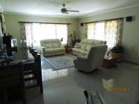Lounges of property in Gansbaai