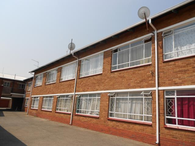 2 Bedroom Apartment For Sale in Kempton Park - Private Sale - MR096873