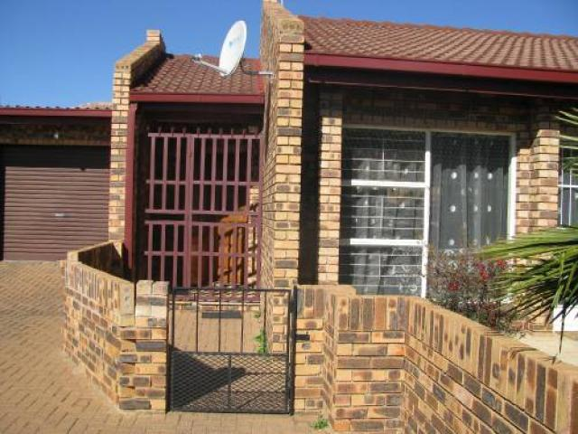 3 Bedroom Sectional Title for Sale For Sale in Bronkhorstspruit - Private Sale - MR096874