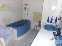Bathroom 3+ - 9 square meters of property in Eldoraigne