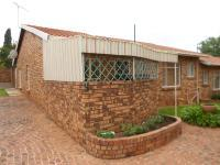3 Bedroom 2 Bathroom in Meredale