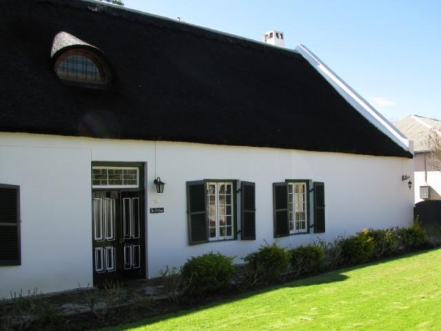 4 Bedroom House For Sale in Clanwilliam - Home Sell - MR096898