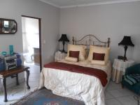 Main Bedroom - 25 square meters of property in Pretoria North