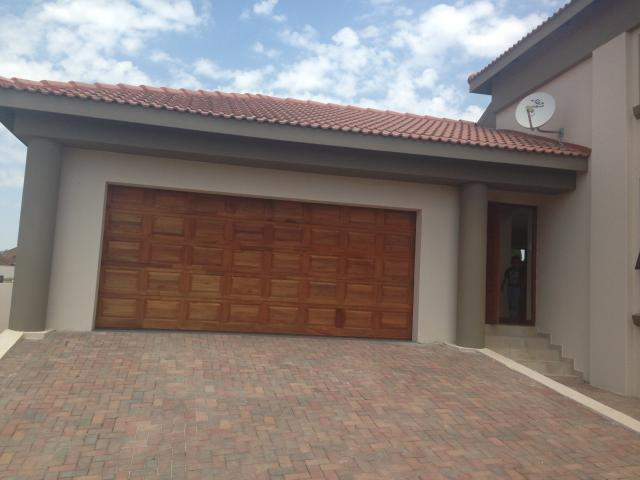 3 Bedroom House For Sale in Emalahleni (Witbank)  - Private Sale - MR096911