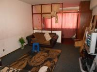 Lounges - 17 square meters of property in Hillbrow