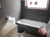 Main Bathroom - 5 square meters of property in Milnerton