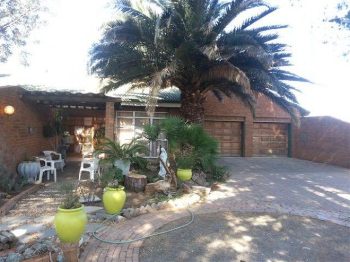 3 Bedroom House for Sale For Sale in Kroonstad - Home Sell - MR096985