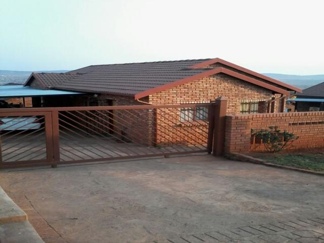 3 Bedroom House For Sale in Atteridgeville - Private Sale - MR097063