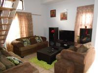 Lounges - 17 square meters of property in Vanderbijlpark