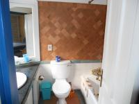 Main Bathroom - 5 square meters of property in Port Edward