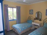 Bed Room 2 - 12 square meters of property in Port Edward