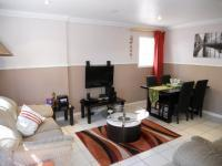 Lounges - 22 square meters of property in Woodview
