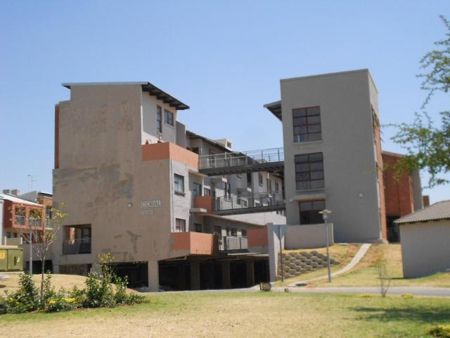 2 Bedroom Apartment for Sale For Sale in Midrand - Home Sell - MR099085