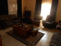 Lounges - 28 square meters of property in Suiderberg