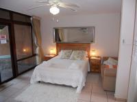 Main Bedroom - 18 square meters of property in Sanlameer