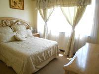 Main Bedroom - 14 square meters of property in Rosettenville