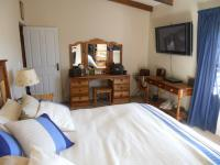 Main Bedroom - 21 square meters of property in Mossel Bay