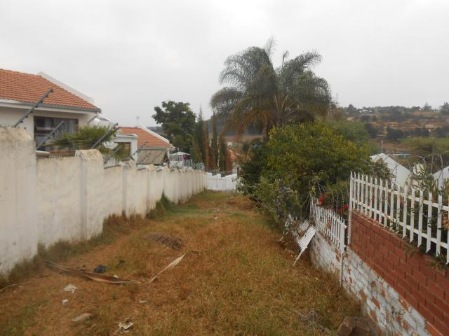 Land For Sale in Newlands - Private Sale - MR099192