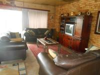 Lounges - 27 square meters of property in Newlands
