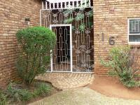 Spaces - 18 square meters of property in Sunward park