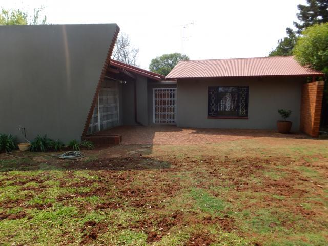 3 Bedroom House for Sale For Sale in Meyerspark - Private Sale - MR099324
