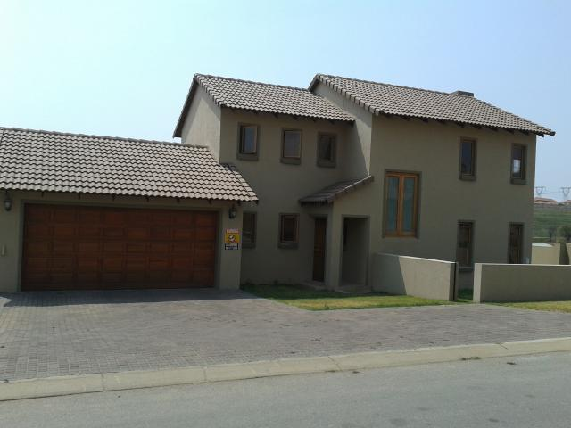 3 Bedroom House For Sale in Kosmosdal - Home Sell - MR099328