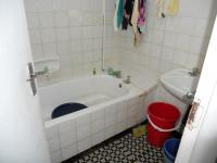Main Bathroom - 3 square meters of property in Overport