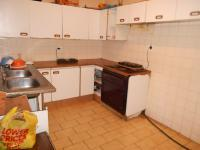 Kitchen - 9 square meters of property in Berea - JHB