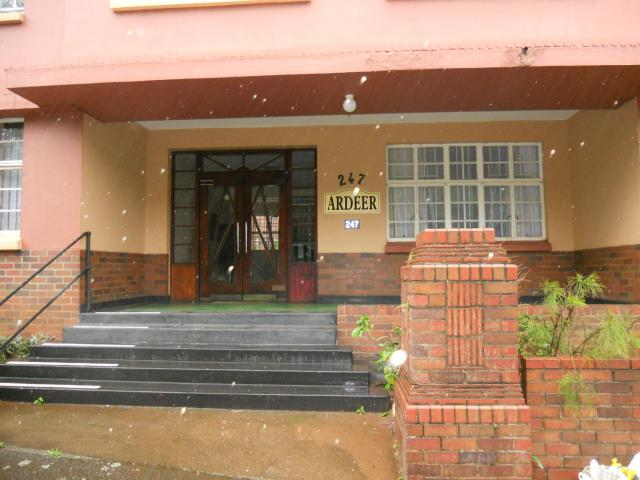 3 Bedroom Apartment for Sale For Sale in Bulwer - Private Sale - MR099421