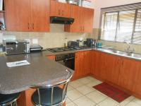 Kitchen - 13 square meters of property in Riversdale