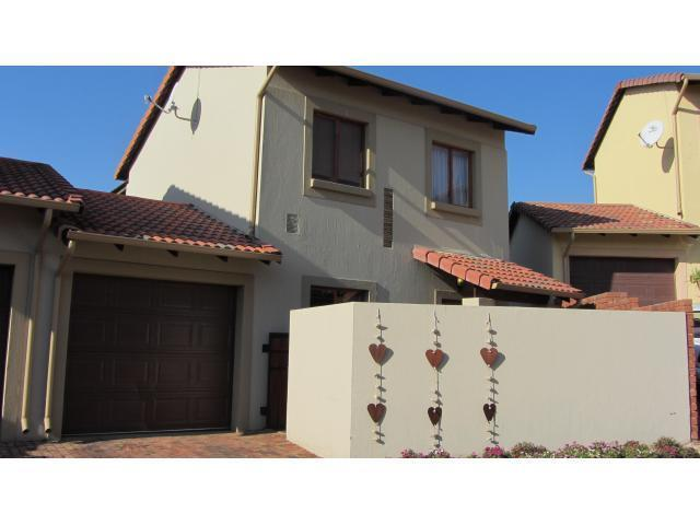 2 Bedroom Duplex For Sale in Ruimsig - Private Sale - MR099583