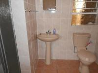 Bathroom 3+ - 7 square meters of property in Dalpark