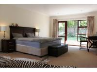Main Bedroom - 33 square meters of property in Kyalami Estates