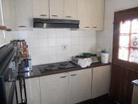 Kitchen - 8 square meters of property in Woodview